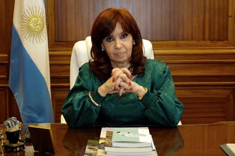 Cristina Kirchner llamó a ir a las plazas por el Día de la Lealtad: