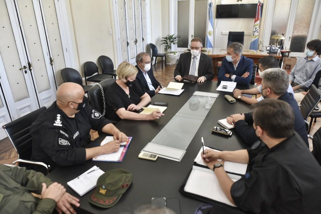 """Jatón: """"Las Fuerzas Federales cumplirán tareas de seguridad ciudadana"""""""