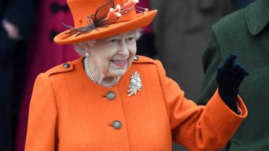 La reina de Inglaterra vuelve al castillo de Windsor tras las vacaciones